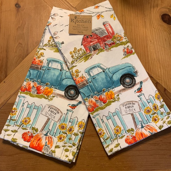 Kitchen Towels Pumpkin Patch Barn Red Truck Fall NWT